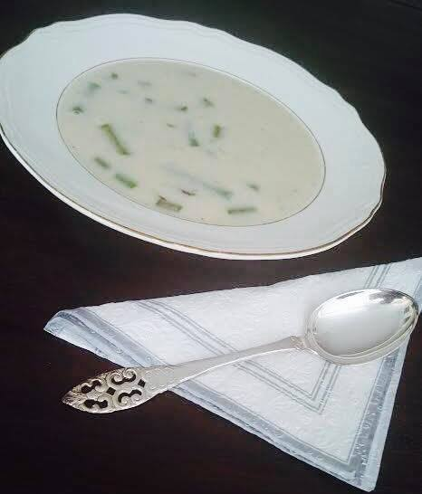 Lavkarbo aspargessuppe