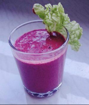 Smart med supermat! Smoothie av grønnkål og blåbær