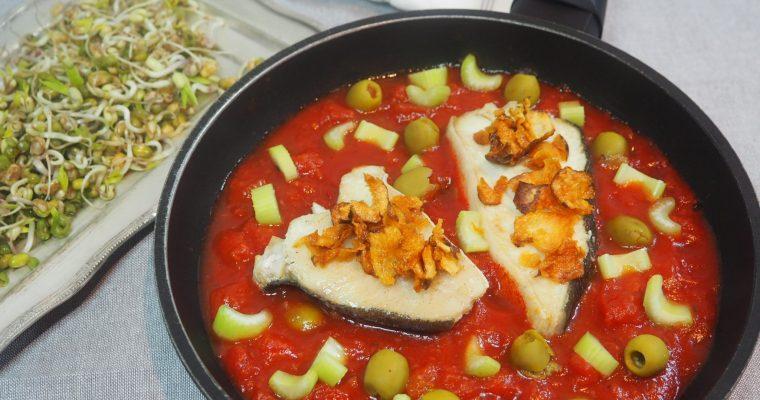 Fisk med jordskokkchips og tomatsaus