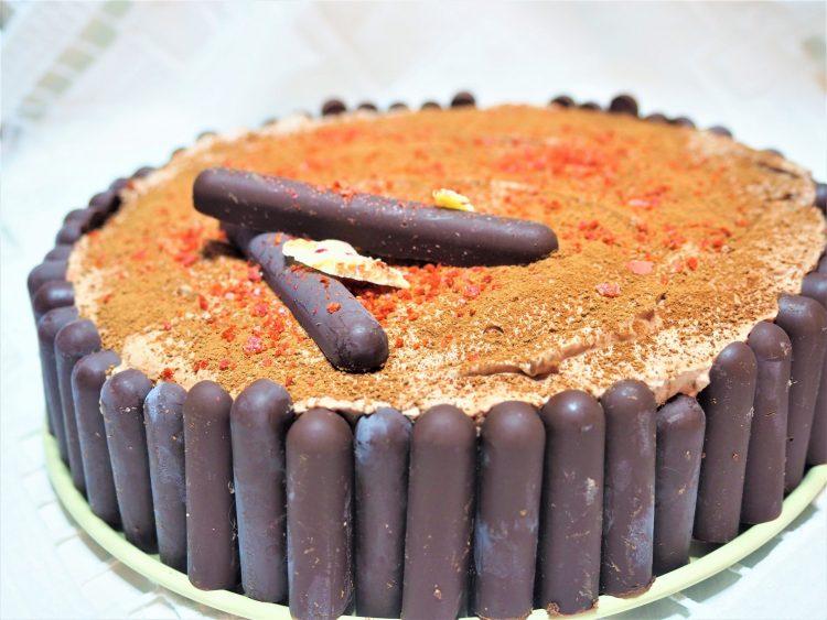 Helt rå ostekake med sjokolade